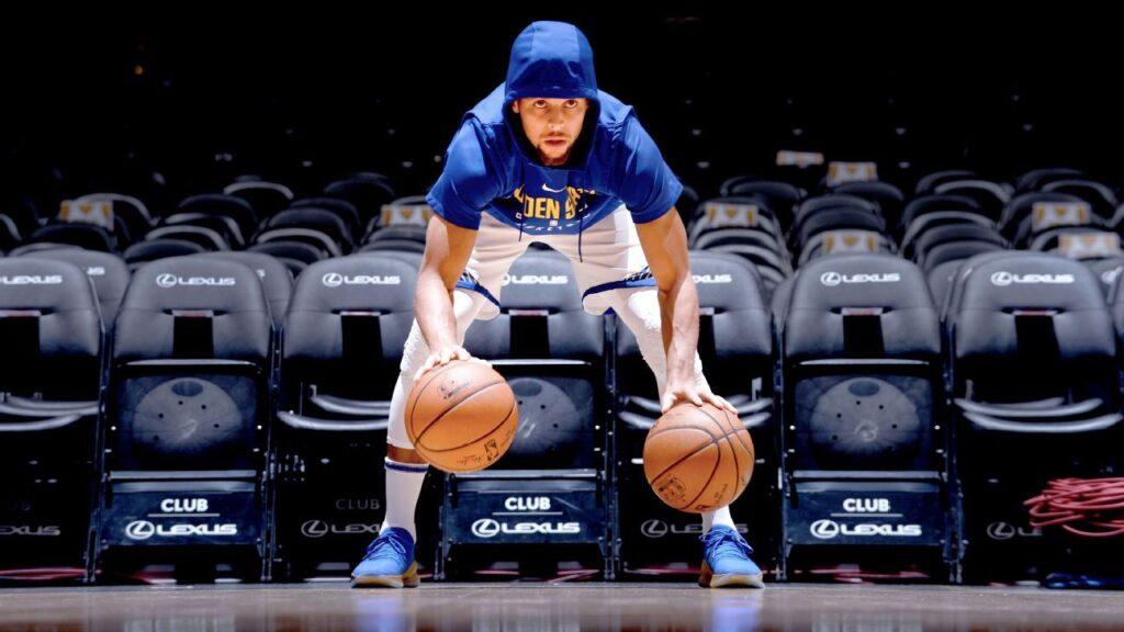 Steph Curry doing basketball skills drills pregame